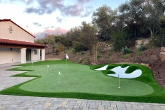 putting-green-paved-patio-side