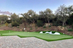 putting-green-paved-patio