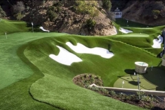 beautiful-putting-green