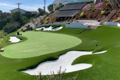 putting-green-on-hill