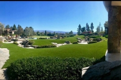 wide-angle-luxury-putting-green